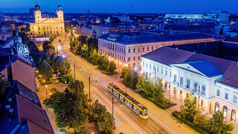 Debrecenbe kéne menni, világbajnokokat kéne nézni!